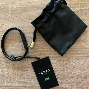 Torro stay charged bracelet